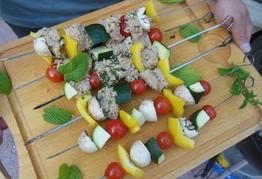 recette de brochettes de poulet et petits légumes au barbecue