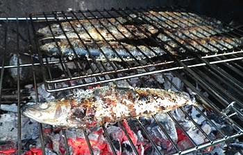 sardines croustillantes sur feu