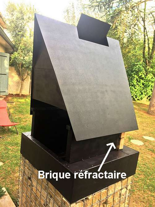 Hotte du barbecue en gabion