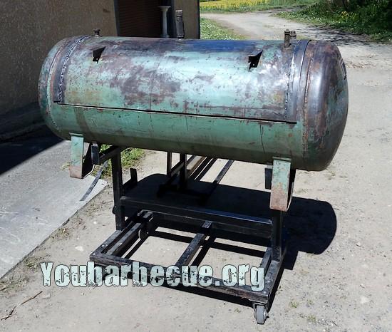 barbecue remorque cuve de compresseur