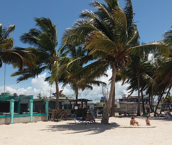 restaurant plage playa larga cuba