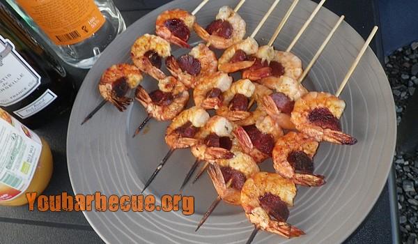 brochettes de crevettes au chorizo cuites