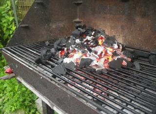 barbecue inversé braises prêtes
