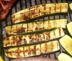 recette de lamelles de courgettes au barbecue