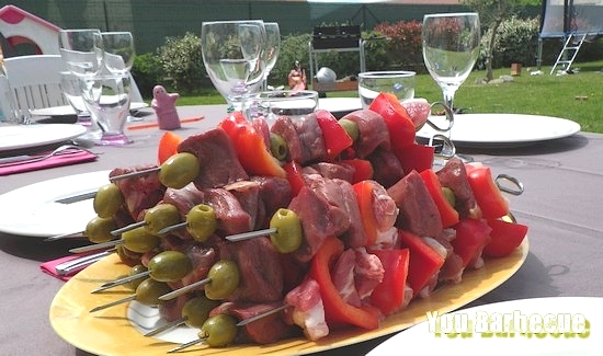 brochettes-magret-olive-avant-cuisson