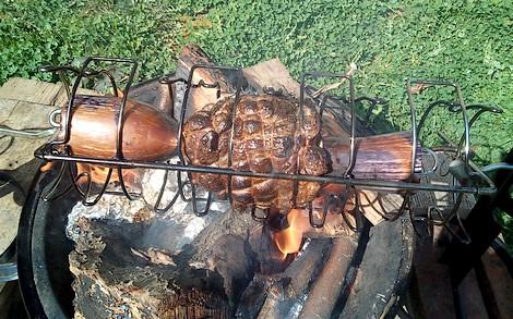 cuisson selle d'agneau à la broche