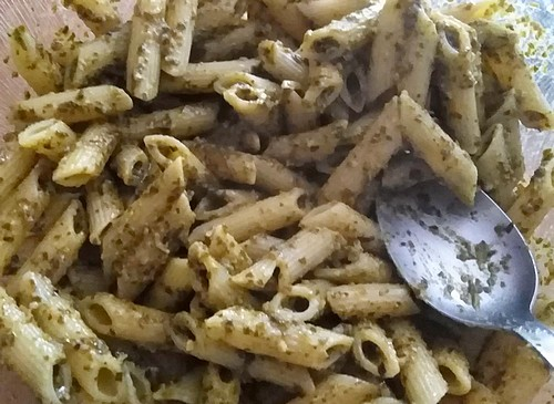 salade accompagnement penne au pesto