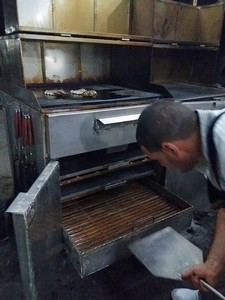 cuisinier au barbecue cuba