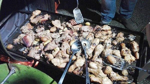 plateau de viandes four avec fût