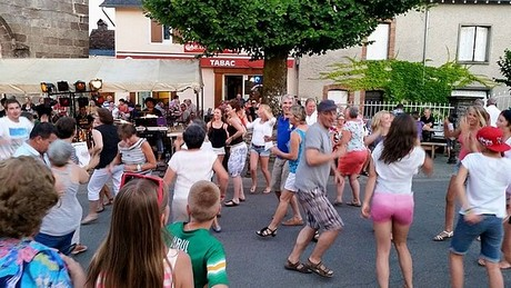 Ca danse à Saint-Pardoux-Corbier